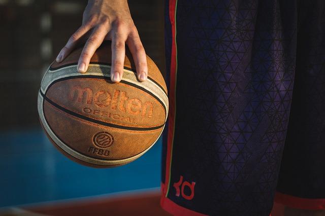 ฝึกบาสเกตบอลอย่างไรให้เก่งขึ้น ตามสูตรของตำนานบาสเกตบอล NBA